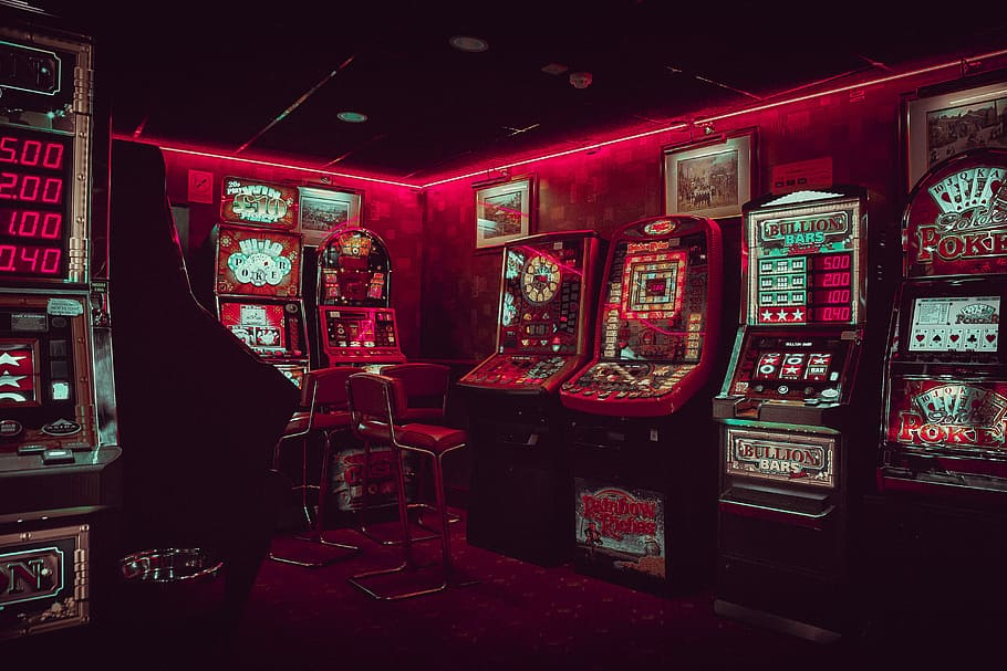Enjoy Different Online Slots Themes for gaming online